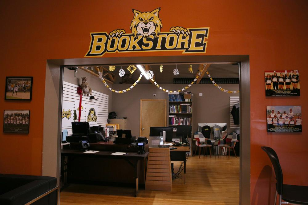 fcc_bobcat den_bookstore entrance